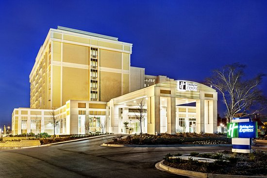 Holiday Inn Express Charleston Downtown - Ashley River: Hotel Exterior