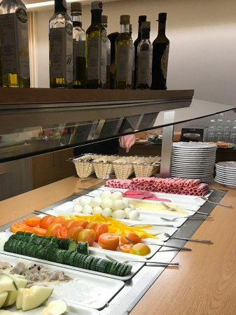 Hotel Klettur: Selection of cold meats, egg, & fresh fruits for breakfast