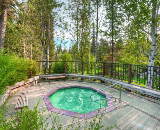McCall, ID: Outdoor Hot Tub