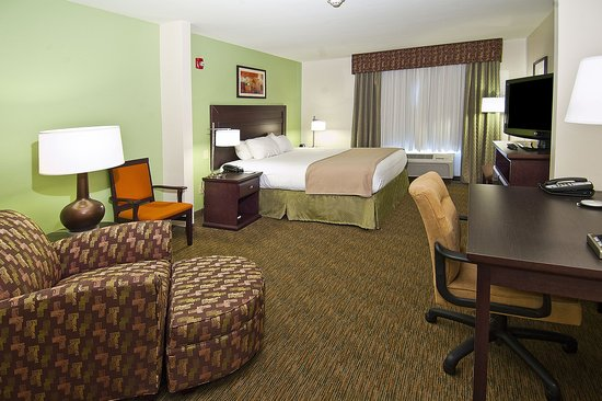 Holiday Inn Express Oro Valley - Tucson North : Wheel chair accessible with a single King bed