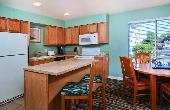 Blaine, WA: Two-Bedroom Suite Dining Area