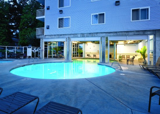 Blaine, WA: Outdoor Swimming Pool