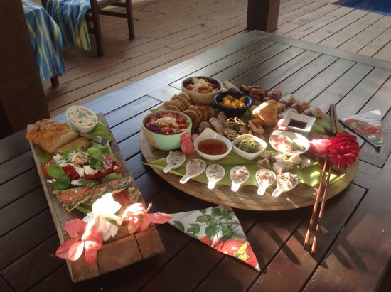Sea Change Villas: The Platter we had delivered to our Villa. Magnificent.