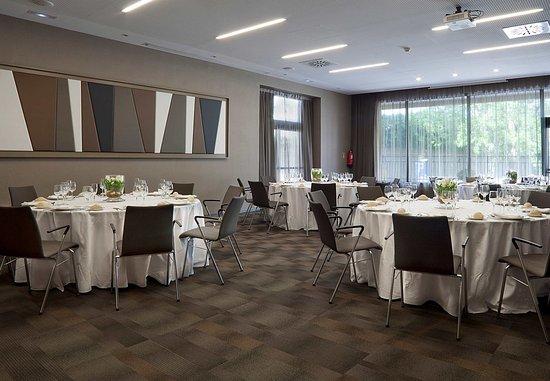Sant Cugat del Valles, إسبانيا: Meeting Room - Rounds Setup