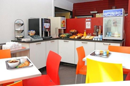 Tinqueux, France: Breakfast