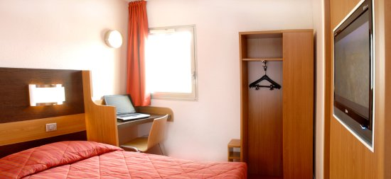 Tinqueux, France: Double Room