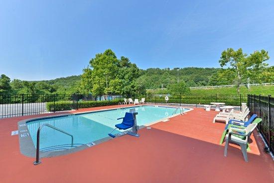 Dalton, GA: Pool