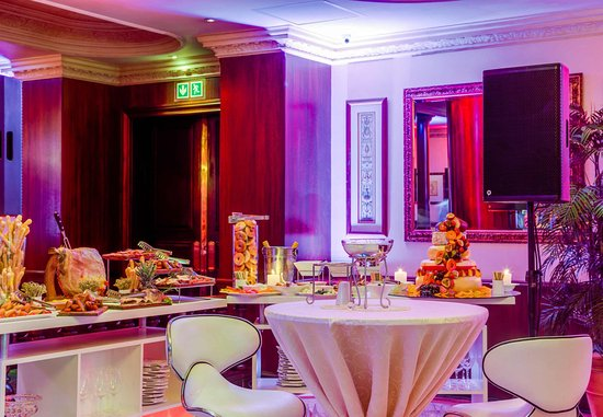 Protea Hotel by Marriott Durban Edward: We offer Banquet catering for meetings and events