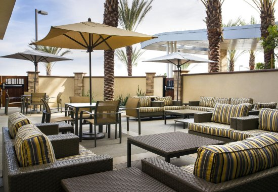 Tustin, CA: Outdoor Patio