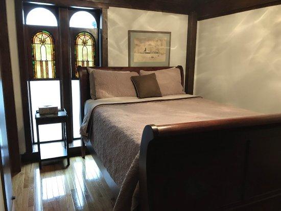 Τσάρλεστον, Ιλινόις: Room