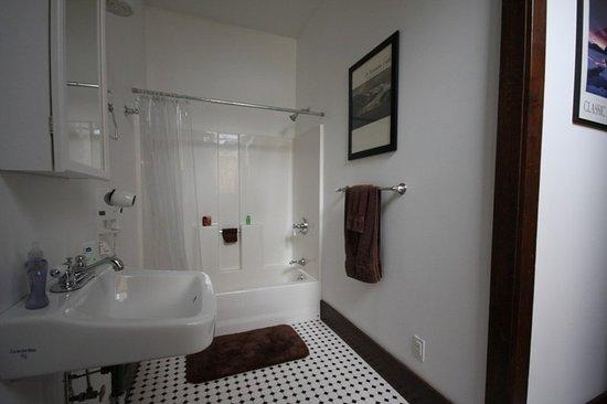 Τσάρλεστον, Ιλινόις: Bath