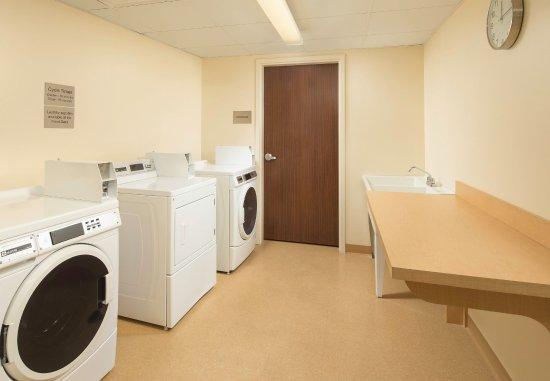 Farragut, TN: Guest Laundry