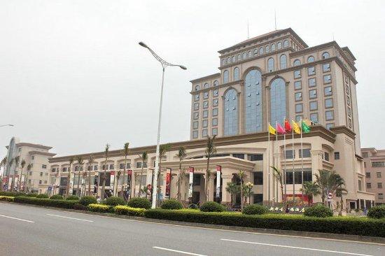 Royal Metropolitan Hotel