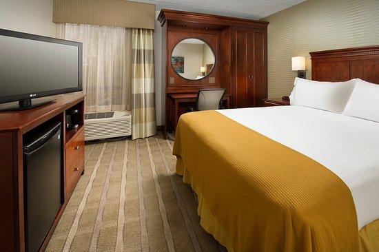 Woburn, MA: One Double Bed Guest Rooms enjoy free WiFi, mini-fridge & Keurig
