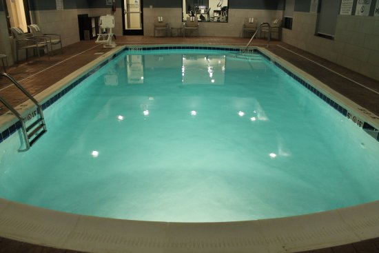 Holiday Inn Express Suites Swimming Pool