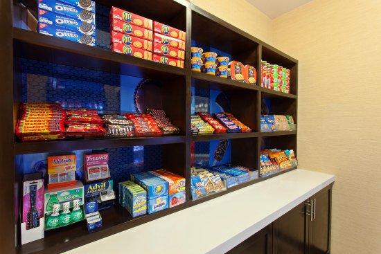 Hawthorne, CA: Snack Shop