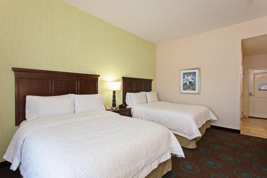Hawthorne, CA: Queen Guestroom