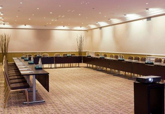 Paris Marriott Opera Ambassador Hotel : Haussmann Meeting Room - U-Shape Setup