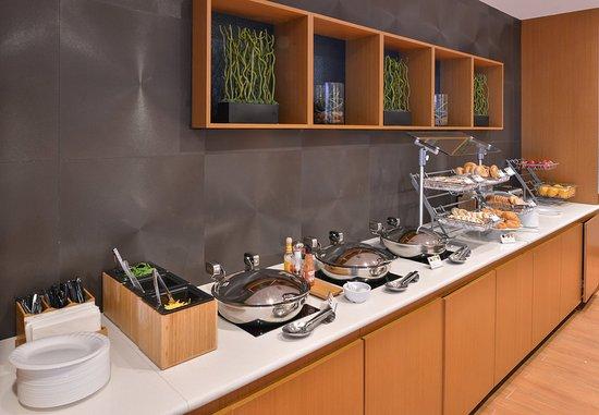 โวร์ฮีส์, นิวเจอร์ซีย์: Breakfast Buffet