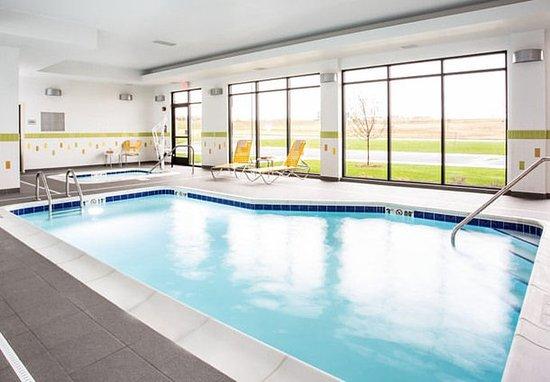 Fairfield Inn & Suites Sioux Falls Airport: Indoor Pool & Whirlpool