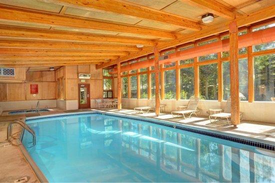 إيفرجرين كوندومينيامز باي كيستون ريزورت: Pool view