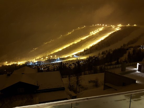 Hemsedal Skicenter by night