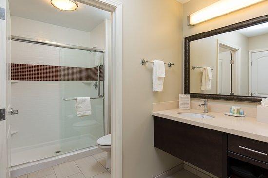 Corona, Califórnia: Guest Bathroom