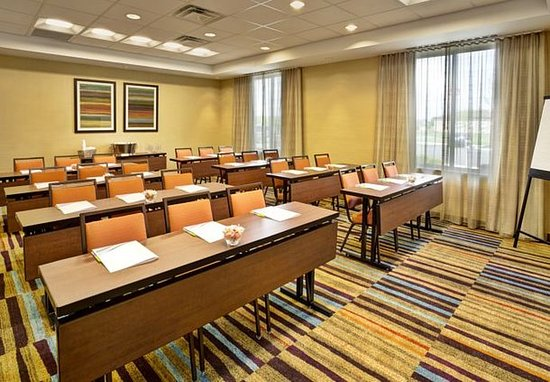 Jeffersonville, OH: Meeting Room   Classroom Setup