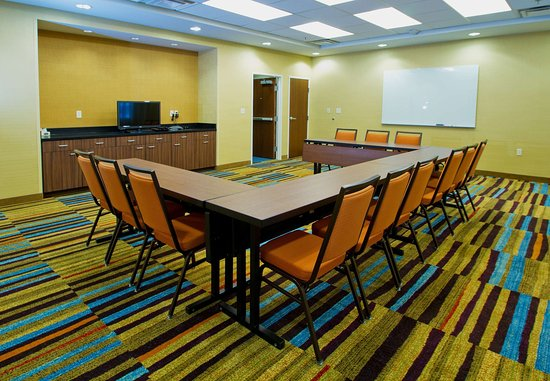 Wentzville, MO: Meeting Room   U-Shape Setup
