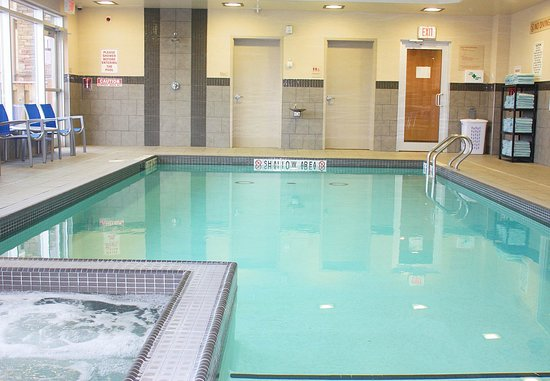 TownePlace Suites Thunder Bay: Indoor Pool & Whirlpool