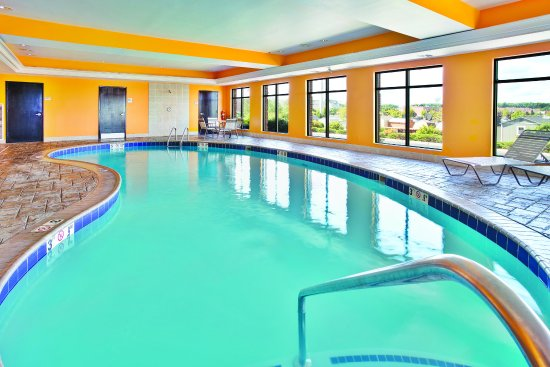 Coventry, RI: PoolView