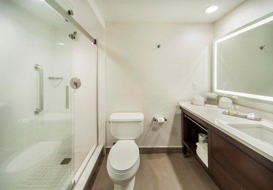 Nanuet, Estado de Nueva York: Guest Bathroom
