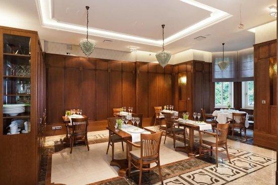 Grape Hotel: Restaurant