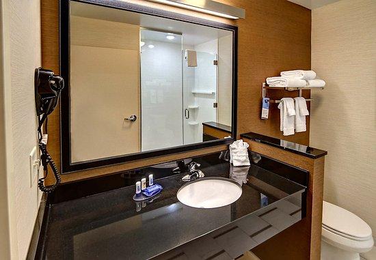 Yukon, OK: Guest Bathroom