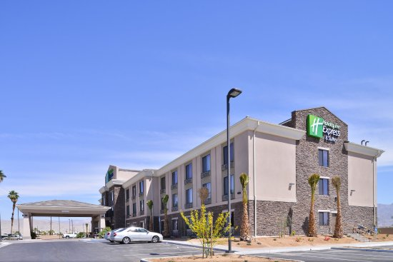 Holiday Inn Express & Suites Indio: Hotel Exterior