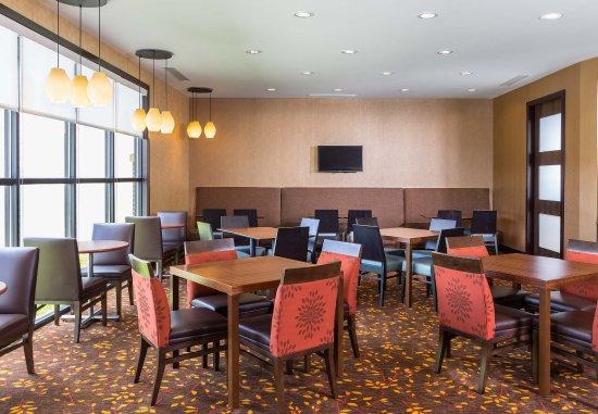 Niles, OH: Breakfast Area