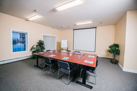 Stanton Suites Hotel: Meeting Room