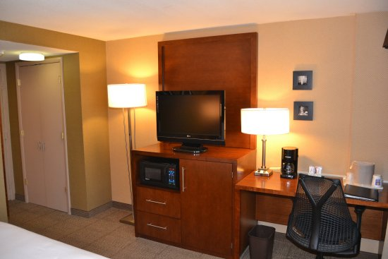 Silver Spring, MD: King room amenities