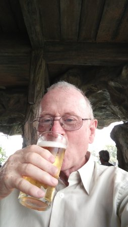 Dusit Zoo: Ice cold Beer