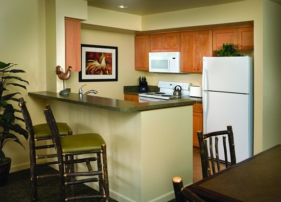 WorldMark Wolf Creek: Studio Suite Kitchen