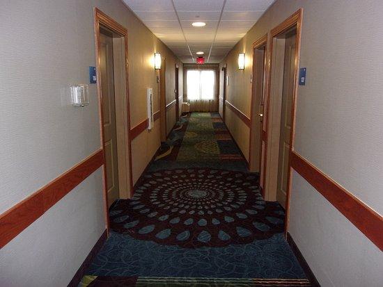 Roselle, إلينوي: Hallway