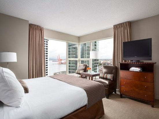Auberge Vancouver Hotel: Suite