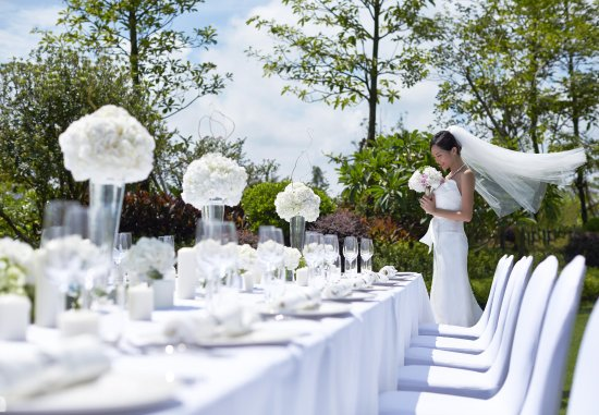 Huizhou, Kina: Outdoor Wedding Setup Details