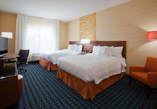 Vadnais Heights, MN: Queen/Queen Guest Room