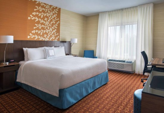 Newcastle, DE: King Guest Room
