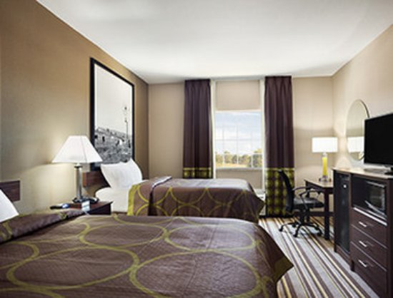 Owasso, Oklahoma: 2 Queen Bed Room