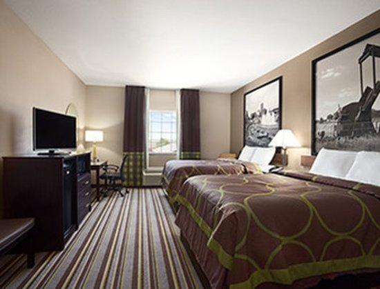 Owasso, Oklahoma: ADA 2 Queen Bed Room