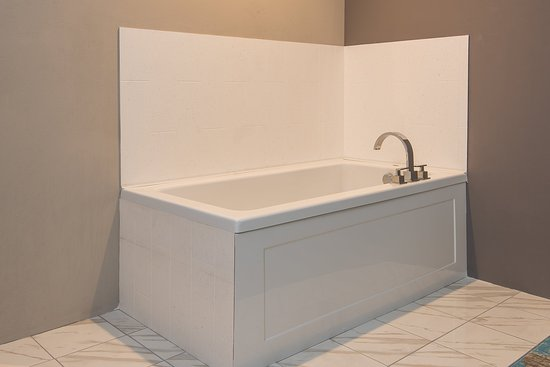 Norwood, MA: Guest Bathroom with jetted tub