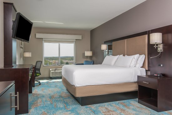 Norwood, MA: King Guest Room