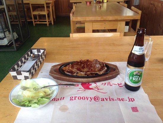 Kijimadaira-mura, Japan: スキーに行った時、昼ごはんを食べに行きました。 サーロインステーキを注文してご飯は少なめにしてもらいましたがボリューム凄い。 平日ということもあり、レストランは貸し切り状態。 肝心の料理は非常
